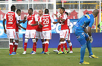 BOGOTA -COLOMBIA- 26 -10--2013.Autogol de Pasto. Accion de juego correspondiente al partido entre los equipos Independiente Santa Fe y Deportivo Pasto, encuentro de la fecha dieciseisava de la  Liga Postobon segundo semestre jugado en el estadio de Techo  / Action game for the match between the teams Independiente Santa Fe and Deportivo Pasto, date sixteenth meeting of the Postobon  League second half played in the Techo stadium .Photo: VizzorImage / Felipe Caicedol / Staff