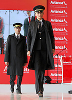 BOGOTA - COLOMBIA- 28 -05-2013: Presentación de los nuevos uniformes diseñados por  Álvaro Reyes para los colaboradores de Avianca (Desfile) .   El presidente de la Junta Directiva de Avianca señor Germán Efrómovich muestra la nueva marca comercial única de Avianca  . The Chairman of the Board Mr. Germán Efromovich Avianca shows the new single brand Avianca..  (Foto: VizzorImage / Felipe Caicedo / Staff).