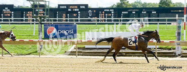Moments Notiz winning at Delaware Park on 9/1/14