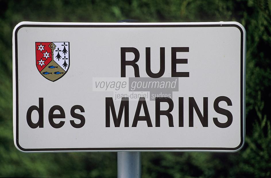 """Europe/France/Bretagne/29/Finistère/Riec-sur-Belon: Détail plaque de rue """"Rue des Marins"""""""
