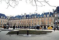 Paris: Places des Vosges, 1605-1612.