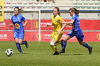 20190422 - Denderleeuw, BELGIUM : Yellow Flame Tess Lameir (M) and Gent's Lyndsey Van Belle (R) pictured during the final of the Under 16 Belgian Cup 2019, a soccer game between AA GENT Ladies B and The Yellow Flames1.0 , in the Van Roystadion in Denderleeuw , Monday 22 th April 2019  , PHOTO SPORTPIX.BE / DIRK VUYLSTEKE