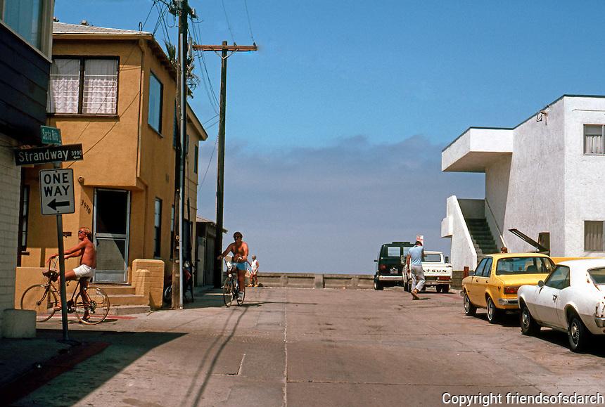 San Diego: Santa Rita Court, Mission Beach--looking to the ocean.  (Photo 1982)