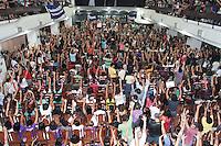 RIO DE JANEIRO, RJ, 07.05.2014 – GREVE PROFESSORES MUNICIPIO-ESTADO RJ – Os professores do município e do estado decidem em a a partir de assembleia unificada pela greve por tempo indeterminado pelo não cumprimento dos acordos firmados pelo município e governo no movimento de 2013, no clube Municipal na tijuca zona norte da cidade nessa quarta 07. (Foto: Levy Ribeiro / Brazil Photo Press)
