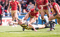Picture by Allan McKenzie/SWpix.com - 22/04/2018 - Rugby League - Ladbrokes Challenge Cup - York City Knight v Catalans Dragons - Bootham Crescent, York, England - Catalans David Mead can't prevent York's Joe Porter from scoring a try.