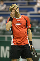 22-2-06, Netherlands, tennis, Rotterdam, ABNAMROWTT, action against Jarkko Nieminnen is frustrated in his match against Ancic