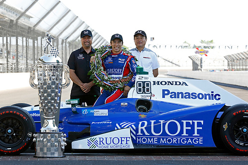 Verizon IndyCar Series<br /> Indianapolis 500 Winner Portrait<br /> Indianapolis Motor Speedway, Indianapolis, IN USA<br /> Monday 29 May 2017<br /> Takuma Soto poses for the 500 winner photos<br /> World Copyright: Phillip Abbott<br /> LAT Images<br /> ref: Digital Image abbott_indyD_0517_35376