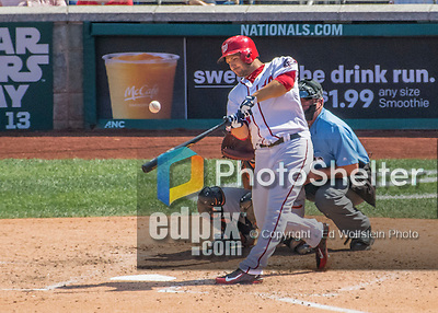 7 August 2016: Washington Nationals outfielder Chris Heisey in action against the San Francisco Giants at Nationals Park in Washington, DC. The Nationals shut out the Giants 1-0 to take the rubber match of their 3-game series. Mandatory Credit: Ed Wolfstein Photo *** RAW (NEF) Image File Available ***