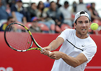 BOGOTA- COLOMBIA 26-07-2015: Adrian Mannarino de Francia, devuelve la bola a Bernard Tomic de Australia, durante partido del ATP Claro Open Colombia de Tenis en las canchas del Centro de Alto rendimiento en Altura en la ciudad de Bogota. / Adrian Mannarino of France returns the ball to Bernard Tomic of Australia, during a match to the ATP Claro Open Colombia of Tennis in the courts of the High Performance Center in Altura in Bogota City. Photo: VizzorImage / Luis Ramirez / Staff.
