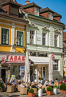 Oesterreich, Niederoesterreich, Kulturlandschaft Wachau - UNESCO Weltkultur- und Naturerbe, Melk: der Hauptplatz in der Altstadt mit dem Café Central | Austria, Lower Austria, Wachau Cultural Landscape - UNESCO World's Cultural and Natural Heritage, Melk: Main Square in Old Town with Café Central