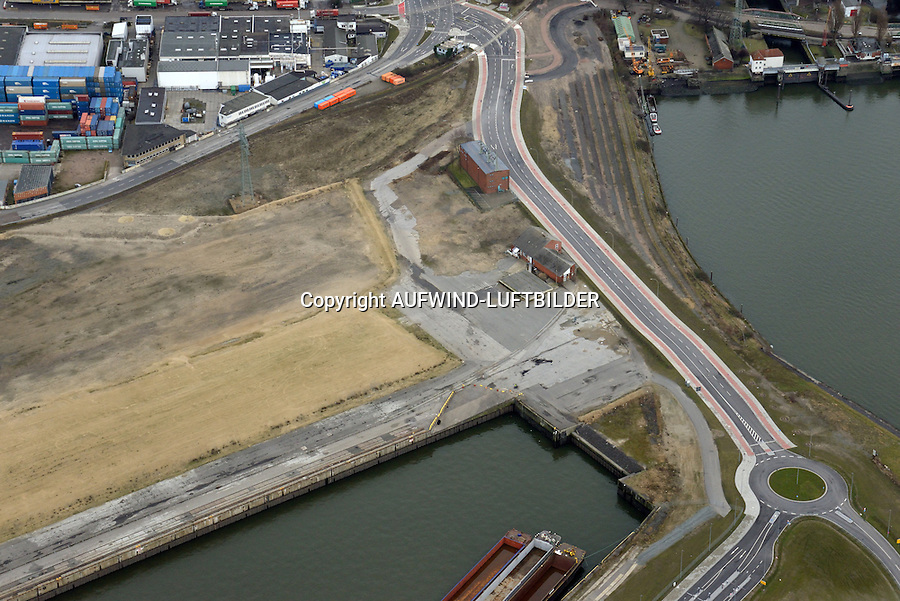 Kuhwerder Hafen: EUROPA, DEUTSCHLAND, HAMBURG 07.02.2016 Kuhwerder Hafen