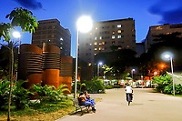 Praça Antero de Quental, bairro Leblon, Rio de Janeiro. 2019. Foto © Juca Martins
