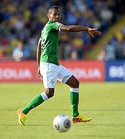 FUSSBALL   1. BUNDESLIGA   SAISON 2013/2014   1. SPIELTAG Eintracht Braunschweig - Werder Bremen             10.08.2013 Theodor Gebre Selassie (SV Werder Bremen) am Ball