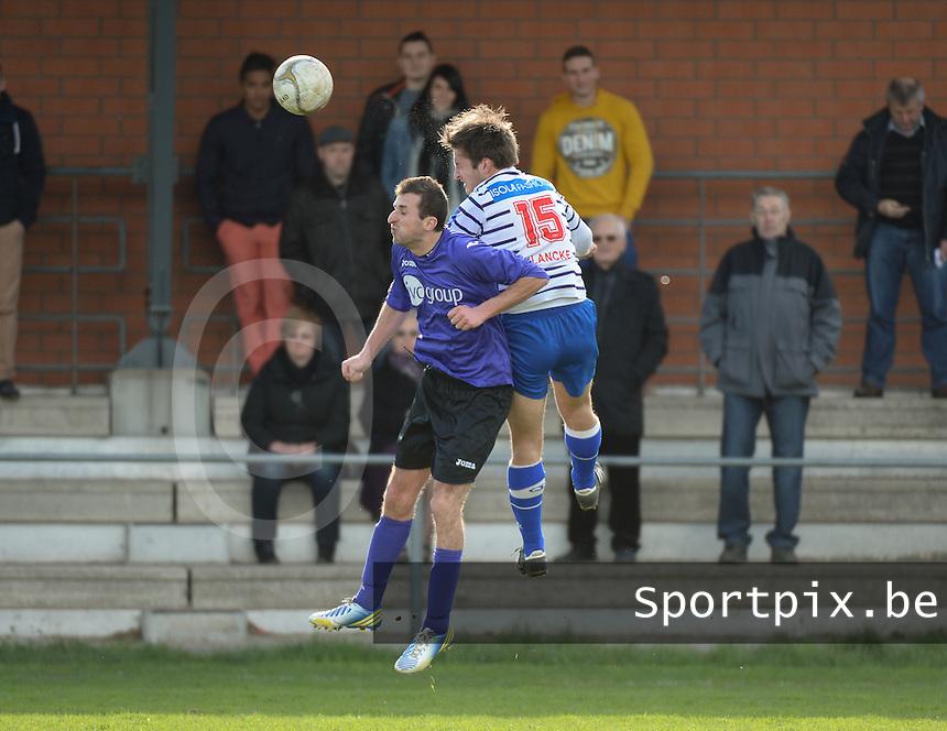 FC Helkijn - Wevelgem City :<br /> <br /> kopbalduel met Jeroen Blancke (R) en Jonathan Dubaere (L)<br /> <br /> foto VDB / BART VANDENBROUCKE