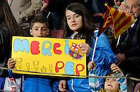 BARCELONA, ESPANHA, 05 MAIO 2012 - CAMP. ESPANHOL - BARCELONA X ESPANYOL - Torcedores do Barcelona durante partida contra o Espanyol em partida valida pela 37 Rodada do Campeonato Espanhol, no estadio Camp Nou em Barcelona na Espanha. (FOTO: VANESSA CARVALHO / BRAZIL PHOTO PRESS).