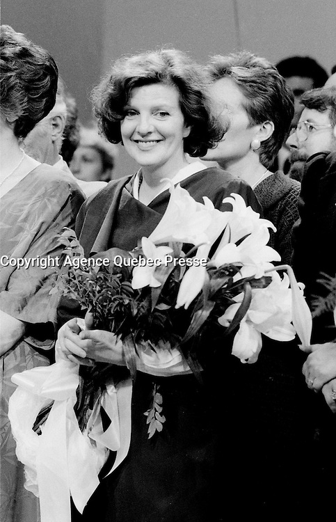 FILE PHOTO : Victoire de Pierre-Marc Johnson lors du vote final de la course &agrave; la chefferie du Parti Qu&eacute;b&eacute;cois, le 29 septembre 1985<br /> <br /> PHOTO : Denis Alix -  Agence Quebec Presse