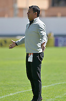 TUNJA - COLOMBIA -27 -02-2016: Jose Ricardo Perez, técnico de Boyaca Chico FC, durante partido entre Boyaca Chico FC y Fortaleza FC, por la fecha 7de la Liga Aguila I-2016, jugado en el estadio La Independencia de la ciudad de Tunja. /  Jose Ricardo Perez, coach of Boyaca Chico FC during a match between Boyaca Chico FC and Fortaleza FC, for the date 7 of the Liga Aguila I-2016 at the La Independencia  stadium in Tunja city, Photo: VizzorImage  / Cesar Melgarejo / Cont.