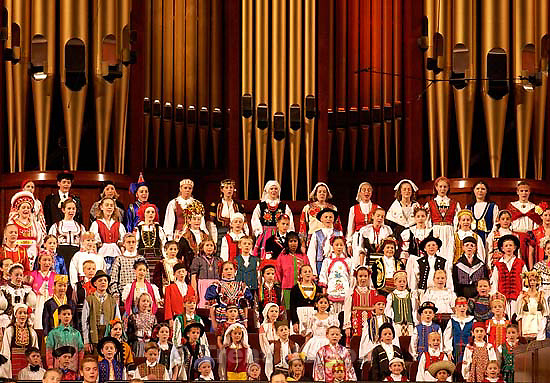 Children's choirs from around the world sing at the Voices of Friendship finale concert, held Saturday night at the LDS Conference Center. 10/20/2001, 7:49:52 PM<br />