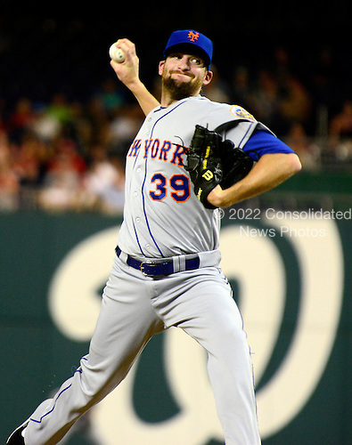New York Mets pitcher Bobby Parnell (39) pitches in the 10th inning against the Washington Nationals at Nationals Park in Washington, D.C. on Tuesday, July 17, 2012.  The Nationals won in 10 innings 5 - 4..Credit: Ron Sachs / CNP.(RESTRICTION: NO New York or New Jersey Newspapers or newspapers within a 75 mile radius of New York City)