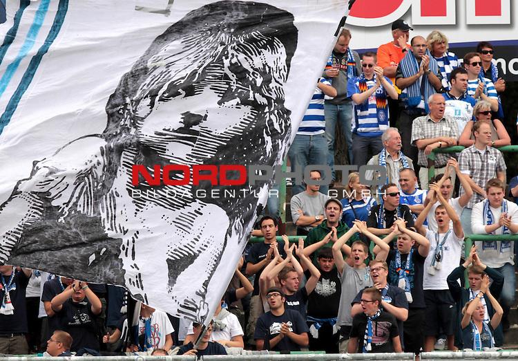31.08.13, Erfurt, Steigerwaldstadion, GER, 3.Liga, 06.Spieltag, FC Rot Weiss Erfurt vs MSV Duisburg <br /> im Bild  Duisburg-Fans / G&auml;stefans / Fanblock / Fankurve <br /> <br />  // during the match between FC Rot Weiss Erfurt and MSV Duisburg on 2013/08/31   <br />   Foto &copy; nph / Hessland