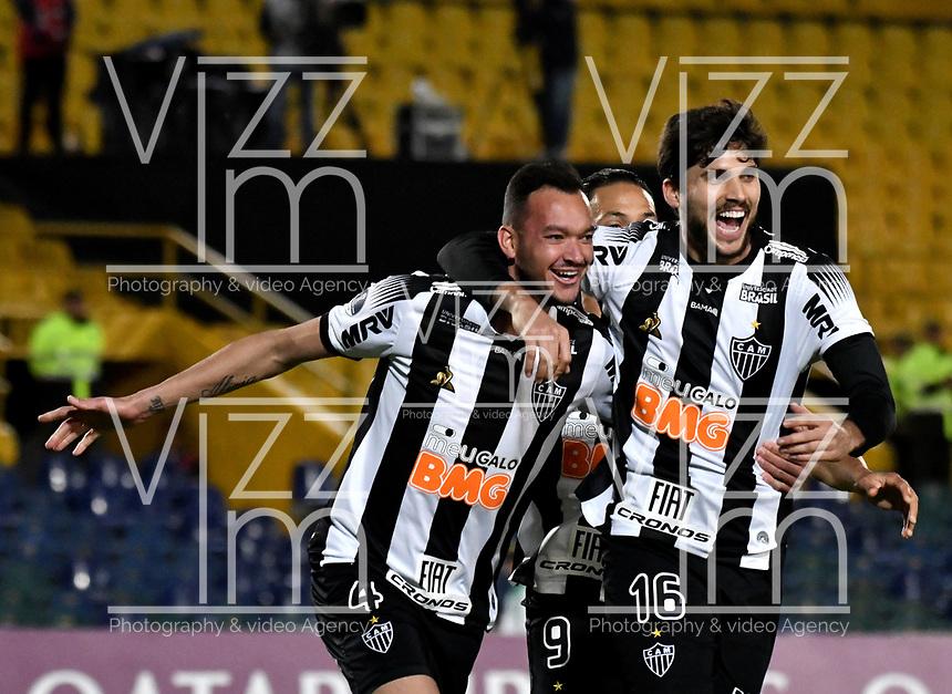 BOGOTÁ-COLOMBIA, 27-08-2019: Rever de Atlético Mineiro (BRA), celebra el gol de su equipo a La Equidad (COL), durante partido de vuelta de los cuartos de final entre La Equidad (COL) y Club Atlético Mineiro (BRA), por la Copa Conmebol Sudamericana 2019 en el estadio Nemesio Camacho El Campin, de la ciudad de Bogotá. / Rever of Atletico Mineiro (BRA), celebrates the goal of his team to La Equidad (COL), during a match between La Equidad (COL) and Club Atletico Mineiro (BRA), of the second leg of the quarter finals for the Conmebol Sudamericana Cup 2019 in the Nemesio Camacho El Campin stadium in Bogota city. Photo: VizzorImage / Luis Ramírez / Staff.