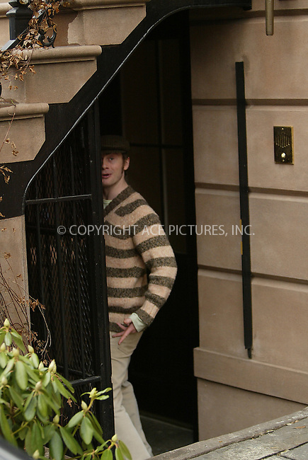 WWW.ACEPIXS.COM . . . . .  ....NEW YORK, DECEMBER 29, 2004....Roston Langdon, husband to Liv Tyler, entering their downtown home.....Please byline: Ian Wingfield - ACE PICTURES..... *** ***..Ace Pictures, Inc:  ..Alecsey Boldeskul (646) 267-6913 ..Philip Vaughan (646) 769-0430..e-mail: info@acepixs.com..web: http://www.acepixs.com