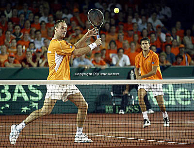 20030920, Zwolle, Davis Cup, NL-India, the dutch team Verkerk (l) and van Lottum win the third match and  defeat India