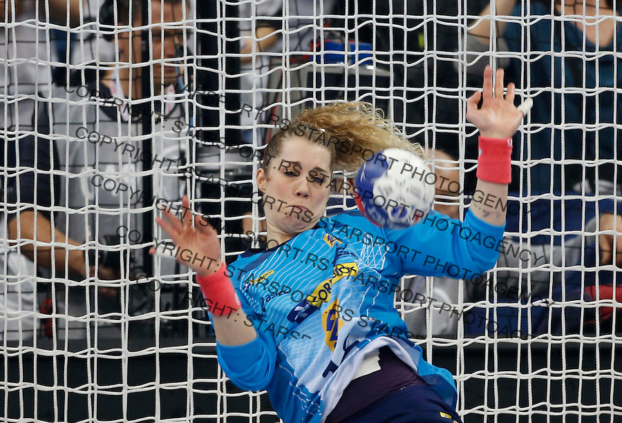 BELGRADE, SERBIA - DECEMBER 22:  Goalkeeper Barbara Arenhart of Brazil save the goal after the penalty shoot during the World Women's Handball Championship 2013 Final match between Brazil and Serbia at Kombank Arena Hall on December 22, 2013 in Belgrade, Serbia. (Photo by Srdjan Stevanovic/Getty Images)