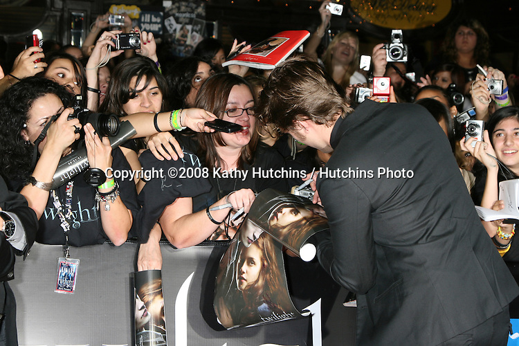"Robert Pattinson   arriving to the World Premiere of ""Twilight"" at Mann's Village Theater in Westwood, CA.November 17, 2008.©2008 Kathy Hutchins / Hutchins Photo...."