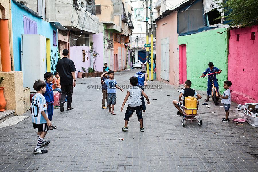 GAZA, Zaytoun:  Al Zaytoun neighborhood of Gaza filled with colors, an initiative taken by one painter, then spread to all the residents. 14/08/15<br /> <br /> GAZA, Zaytoun: Quartier Al Zaytoun de Gaza remplie de couleurs, une initiative d'un peintre qui s'est ensuite r&eacute;pandue au sein de tous les r&eacute;sidents. 14/08/15