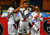 CUCUTA - COLOMBIA, 28-04-2019: Carlos Robles (C) del Tolima celebra después de anotar el primer gol de su equipo durante partido por la fecha 18 entre Cúcuta Deportivo y Deportes Tolima como parte de la Liga Águila I 2019 jugado en el estadio General Santander de la ciudad de Cúcuta. / Carlos Robles (C) of Tolima celebrates after scoring the first goal of his team during match for the date 18 between Cucuta Deportivo y Deportes Tolima as a part of Aguila League I 2019 played at General Santander stadium in Cucuta city. Photo: VizzorImage / Edgar Cusguen / Cont