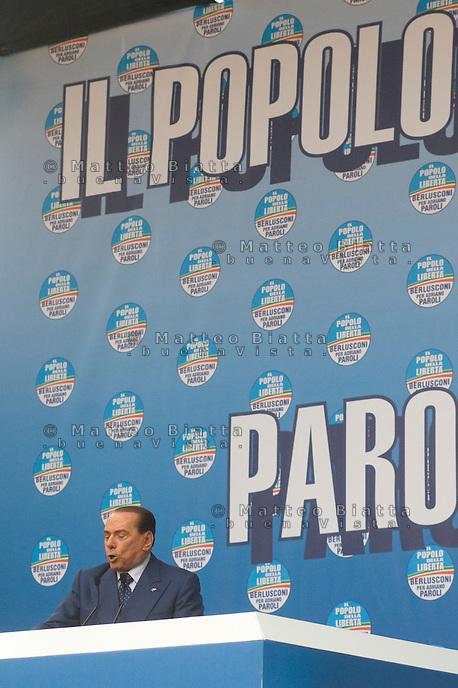 COMIZIO SILVIO BERLUSCONI NELLA FOTO SILVIO BERLUSCONI DURANTE IL COMIZIO POLITICA BRESCIA 11/05/2013 FOTO MATTEO BIATTA<br /> <br /> MEETING WITH SILVIO BERLUSCONI IN THE PICTURE SILVIO BERLUSCON DURING THE MEETING POLITIC BRESCIA 11/05/2013 PHOTO BY MATTEO BIATTA
