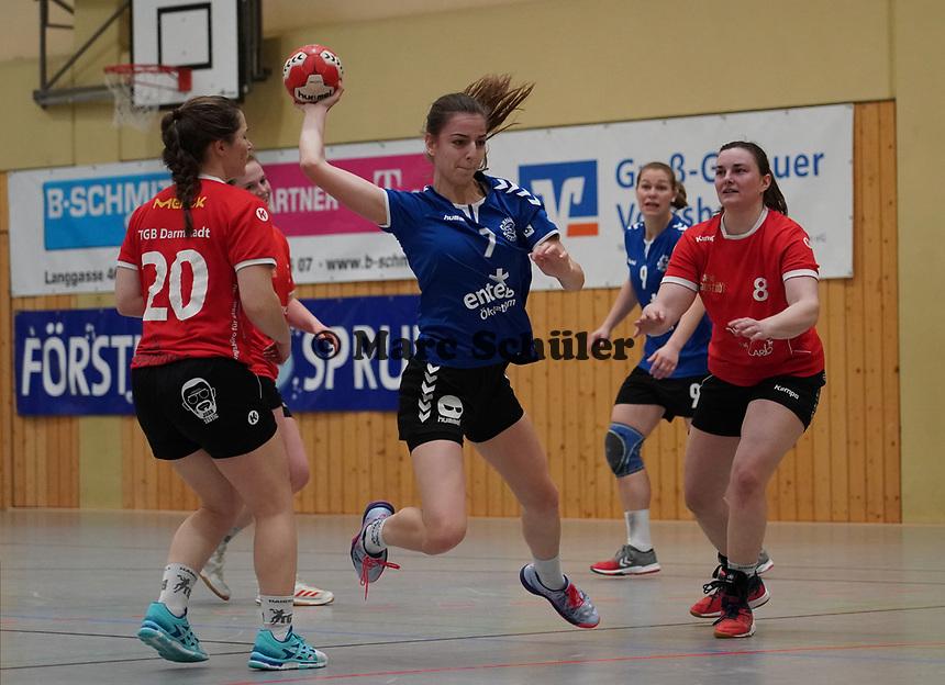 Liv Kornhuber (Walldorf) wirft - Mörfelden-Walldorf 09.02.2020: TGS Walldorf vs. TGB Darmstadt, Sporthalle