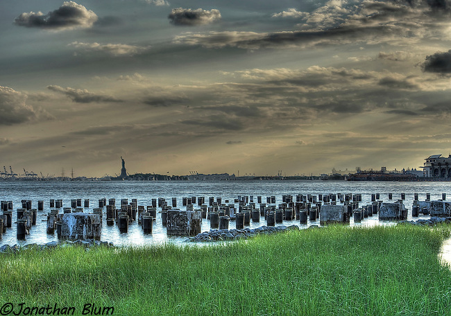 New York Harbor from Brooklyn Bridge Park, HDR