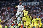 Real Madrid's Garet Bale and Villarreal's Jonathan Dos Santos during the match of La Liga between Real Madrid  and Villarreal Club de Futbol at Santiago Bernabeu Estadium in Madrid. September 21, 2016. (ALTERPHOTOS/Rodrigo Jimenez)
