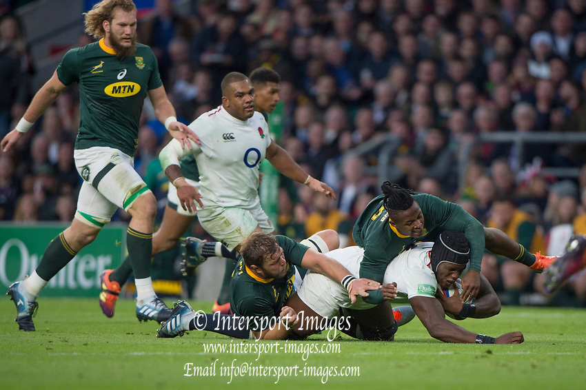 Twickenham, United Kingdom, Saturday, 3rd November 2018, RFU, Rugby, Stadium, England,   Maro ITOJE, taken to ground, by the RSA defence, during the Quilter, Autumn International, England vs South Africa, © Peter Spurrier