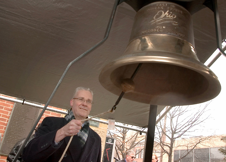16909Leonard Raley ringing County Bicentennial Bell on Behalf of the University