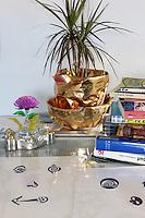 gold flowerpot