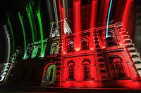 Palacio del ayuntamiento de Alamos  con sus luces tricolor durante el mes de septiembre Alamos2014