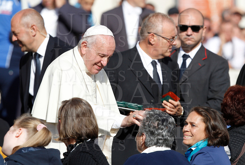 Vatican City, October 16, 2019. Pope Francis greets the faithful at the end of the weekly general audience in St. Peter's Square.<br /> UPDATE IMAGES PRESS/Riccardo De Luca<br /> <br /> STRICTLY ONLY FOR EDITORIAL USE