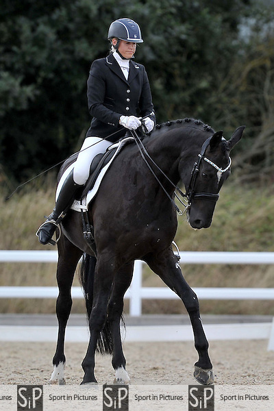 Class 7. British dressage. Brook Farm Training Centre. Essex. 09/09/2016. MANDATORY Credit Garry Bowden/Sportinpictures - NO UNAUTHORISED USE - 07837 394578