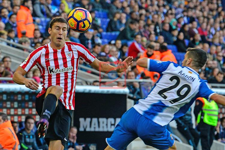 League Santander 2016/2017. Game: 11.<br /> RCD Espanyol vs Athletic Club: 0-0.<br /> Oscar de Marcos vs Aaron Martin.