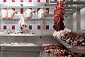 27/03/17 - RUNGIS - VAL DE MARNE - FRANCE - Marche d Interet National de Rungis. Tetes de veaux au pavillon Tripiers - Photo Jerome CHABANNE