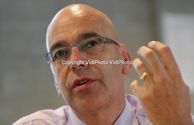 Foto: VidiPhoto..SCHAARSBERGEN - Portret van hoofd Veiligheidsregio Zeeland Frans Captijn bij het NIFV in Schaarsbergen