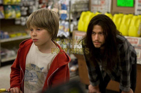 DEVIN BROCHU & JOSEPH GORDON-LEVITT.in Hesher .*Filmstill - Editorial Use Only*.CAP/FB.Supplied by Capital Pictures.
