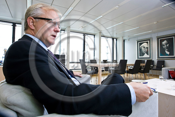 BRUSSELS - BELGIUM - 30 AUGUST 2011 -- Olli REHN (Fin.), European Commissioner, in charge of Economic and Monetary Affairs during an interview in his office. --  PHOTO: Juha ROININEN /  EUP-IMAGES