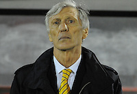 MONTEVIDEO - URUGUAY -13-10-2015: Jose Pekerman, técnico de Colombia, durante partido entre Uruguay y Colombia de la fecha 2 por la clasificación a la Copa Mundo FIFA 2018 Rusia jugado en el estadio Centenario de la ciudad de Montevideo. /  Jose Pekerman, coach of Colombia, during match between Uruguay and Colombia, for the date 2 for the 2018 FIFA World Cup Russia Qualifier played at Centenario Stadium in Montevideo city. Photo: Photosport / VizzorImage / Dante Fernandez / Cont.