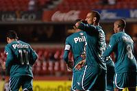 SÃO PAULO, SP, 05 DE JUNHO DE 2013 - CAMPEONATO BRASILEIRO - SÃO PAULO x GOIÁS: Rodrigo (3) comemora gol do Goías  durante partida São Paulo x Goiás, válida pela 4ª rodada do Campeonato Brasileiro de 2013, disputada no estádio do Morumbi em São Paulo. FOTO: LEVI BIANCO - BRAZIL PHOTO PRESS.