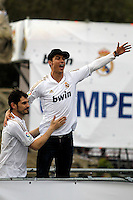 MADRID, ESPANHA, 04 MAIO DE 2012 - COMEMORACAO REAL MADRID - Iker Casillas (E) goleiro e Cristiano Ronaldo jogadores do Real Madrid, celebra o titulo da Liga Espanhola, na Praca Cibeles no centro de Madrid, ontem quinta-feira, 3. (FOTO: ARNEDO  ALCONADA / ALTER / ALFAQUI / BRAZIL PHOTO PRESS)