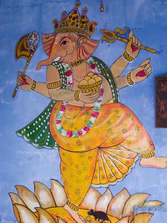 12.10.2006 Jodhpur (Rajasthan)<br /> <br /> Lord Ganesha painted in a wall.<br /> <br /> Le seigneur Ganesh peint sur un mur.